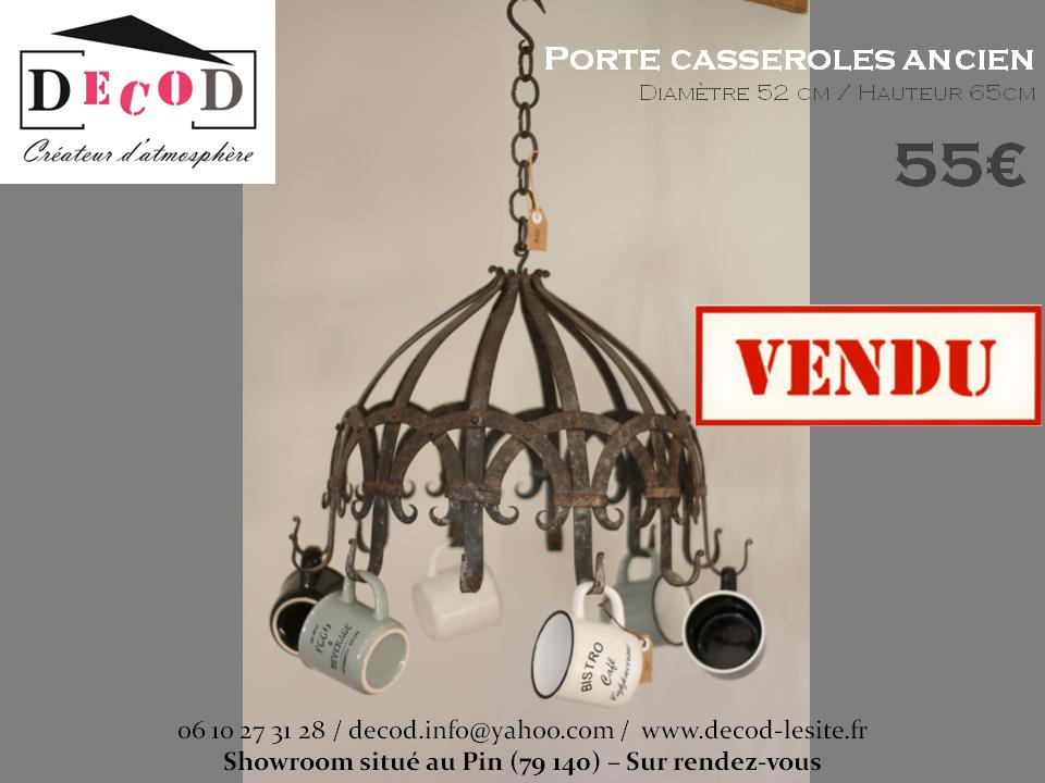 Porte casseroles 55€ VENDU